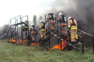 Palomiehiltä vaaditaan hyvää fyysistä kuntoa