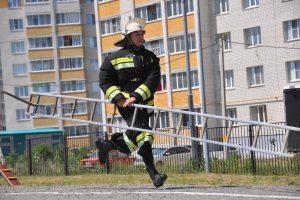 Palomies ja palokuntalainen